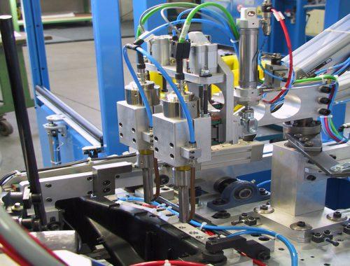 ultrasonic riveting device