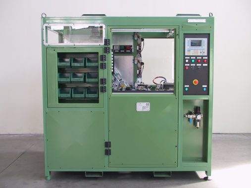 machine for the simultaneous hot-plate welding of 7 components