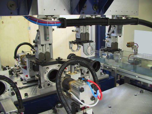 stazioni di test di tenuta in pressione, scarico, marcatura per incisione a caldo