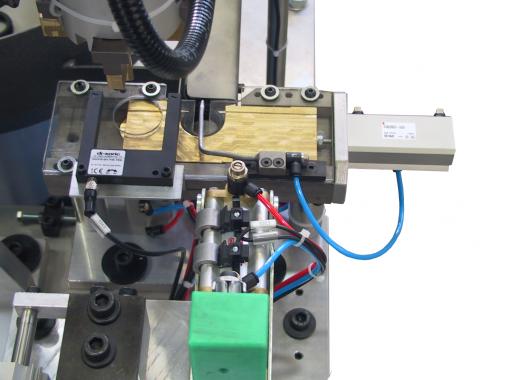 Separation valve