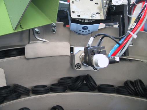 Vision system for gasket's insertion